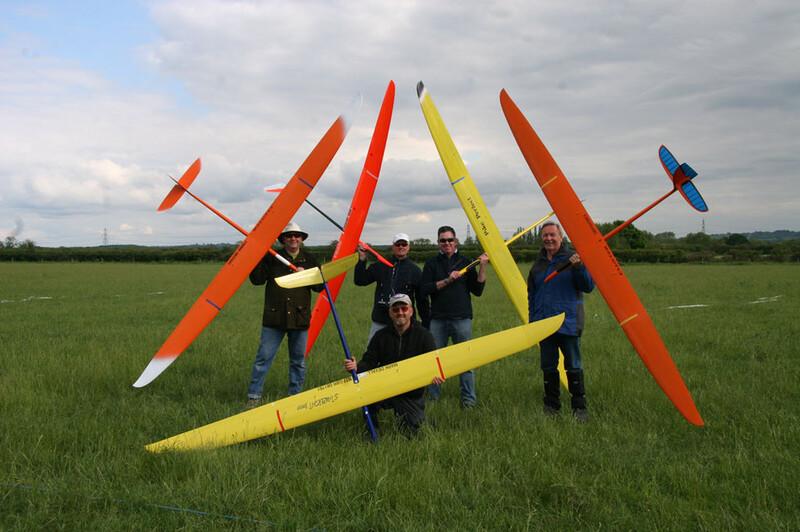 radioglide2012f3j-flyoff-pilots.thumb.jp