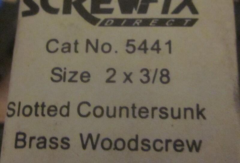 028 2 little screws.jpg