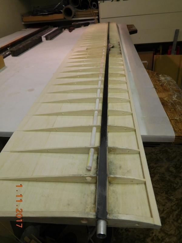 Joiner tube on Centre Panel.JPG